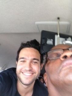 Another pete wentz and body guard selfie Peter Wentz, Save Rock And Roll, Soul Punk, Patrick Stump, Thanks For The Memories, Emo Bands, Save My Life, Paramore, Me Me Me Song