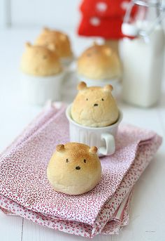 Teddy bear bread! I just want to make someone eat these cuties