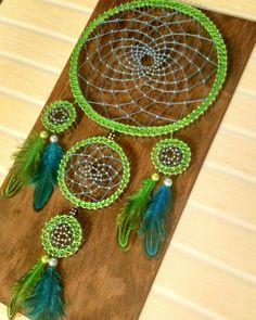Diy Crafts Tools, Diy Arts And Crafts, Handmade Crafts, Thread Painting, Thread Art, Painting Corner, Macrame Bracelet Diy, Dream Catcher Art, Nail String Art