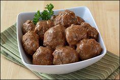Healthy Swedish Meatball Recipe ~use gf breadcrumbs & make your own brown gravy Low Calorie Recipes, Ww Recipes, Light Recipes, Cooking Recipes, Healthy Recipes, Healthy Meals, Healthy Food, Skinny Girl Recipes, Hungry Girl Recipes