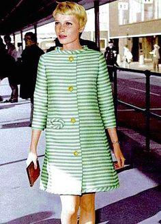 green and white striped coat with gold buttons (Mia Farrow) Mia Farrow, Mod Fashion, 1960s Fashion, Vintage Fashion, Vintage Outfits, Vintage Dresses, Estilo Mod, Katharine Ross, Moda Retro