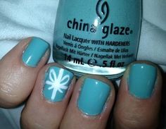 Definitely want to try this on my nails one day. I had a Tiffany's box that a friend of mine gave me (her bf had bought her a bracelet from there and I just wanted the bag and the box LOL!).