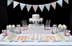pastel wedding desert tables / klare Linie lassen das ganze nicht zu verspielt wirken