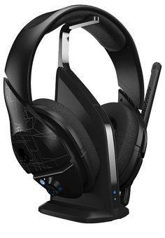 Skullcandy PLYR 1 Wireless Gaming Headset with Dolby 7.1