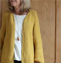 Gilet Sophie B – Alice Hammer - vest Knit Vest, Cardigan Pattern, Winter Coat, Knit Crochet, Pullover, Couture, Knitting, Sweaters, Tops