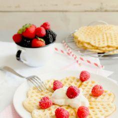 Yoghurt light Waffles. Waffles leggeri allo yogurt.