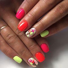 Маникюр №4153 - самые красивые фото дизайна ногтей. Идеи рисунков на ногтях на любой вкус. Будь самой привлекательной!
