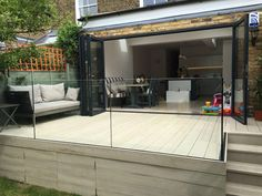 Millboard Composite Decking and Elite Balustrade These yard pattern ideas are critical for having a Decking Glass Balustrade, Patio Balustrade Ideas, Glass Balcony, Back Garden Design, Decking Area, Raised Patio, Glass Fence, Garden Steps, Villa