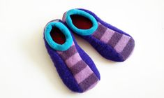Snickers Slippers Pattern Instant Download by fibersandtwigs