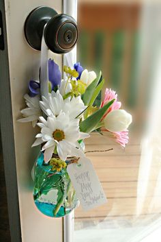 This is such a fun tradition for May! The kids would even love to be involved. May Day Flower Tradition (she: Darleen) - Or so she says....
