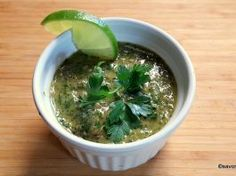 Sos de usturoi si patrunjel verde reteta de chimichurri Chimichurri Salsa, Seaweed Salad, Palak Paneer, Lunch, Ethnic Recipes, Food, Green, Fine Dining, Eat Lunch