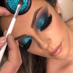 makeup and infection eye makeup cause red eyes remove eye makeup makeup kajal makeup quiz eye makeup tutorial makeup zodiac makeup glam Glamorous Makeup, Glam Makeup, Gorgeous Makeup, Blonde Makeup, Makeup Geek, Bridal Makeup, Wedding Makeup, Glitter Eyeshadow, Eyeshadow Makeup