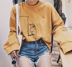 graphic tee | street style | streetwear | yellow sweater | fashion | #ootd