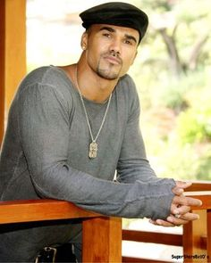 I ADORE SHEMAR... Amber Moore has a RING to it!