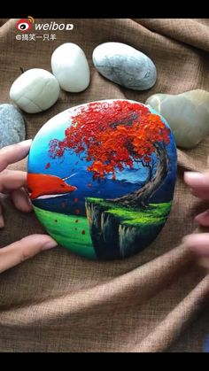 Rock Painting Patterns, Rock Painting Ideas Easy, Rock Painting Designs, Paint Designs, Painted Rocks Craft, Hand Painted Rocks, Turtle Painted Rocks, Painted Garden Rocks, Painted River Rocks