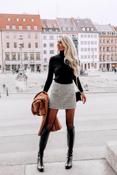 Winter Fashion Outfits, Fall Winter Outfits, Autumn Winter Fashion, Holiday Outfits, White Skirt Outfits, Winter Skirt Outfit, Elegantes Outfit Frau, Mode Inspiration, Mode Outfits