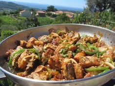 Χοιρινή τηγανιά !!!Ωραία συνταγή όλο νοστιμιά!! Greek Recipes, Kung Pao Chicken, Food And Drink, Beef, Meals, Cooking, Ethnic Recipes, Meat, Kitchen