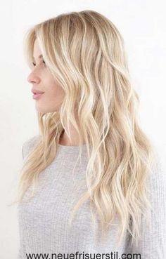 Wellig, Licht-Blondes Haar