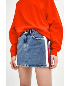 Mid waist mini skirt with zip and button fastening in the front. Features front and back pockets and side stripes. Denim Skirt Outfits, Denim Mini Skirt, Casual Outfits, Mini Skirts, Fashion Outfits, Short Jeans Feminina, Look Short, Mode Inspiration, Clothes For Women