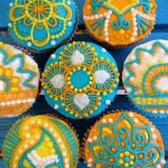 Henna Cupcake Patterns! So, so pretty!
