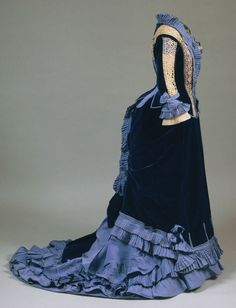 Blue Velvet Dress from 1875  (The Philadelphia Museum of Art)
