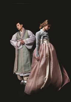 Our clothes to wear Hanbok 燐 Korean Traditional Dress, Traditional Fashion, Traditional Dresses, Korean Dress, Korean Outfits, Oriental Fashion, Asian Fashion, Korean Wedding Traditions, Hanbok Wedding