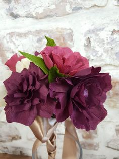 Autumnal crepe paper flowers, ideal for weddings, special occasions, home decoration and gift ideas.