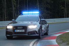 AusfahrtTV hat auf der neuen Rennstrecke Bilster Berg das Safety Car der World Endurance Championship (WEC) – einen 560 PS starken Audi RS6 – getestet. Der Kombi, dessen Motor ... Read More