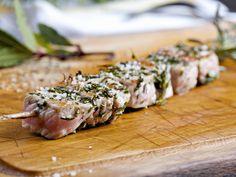 Brochettes de veau mariné aux herbes : Recette de Brochettes de veau mariné aux herbes - Marmiton