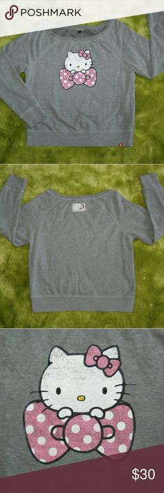 "Vans Hello Kitty Gray Sweater XL Gray wide crewneck  Some piling from normal wash and wear Fading on Hello Kitty Length 24"" Pit to pit 22"" Sleeves 26"" Hello Kitty Sweaters"