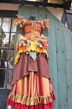 Moresca costumes and clothing