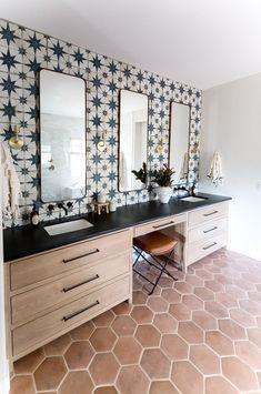 Spanish Style Bathrooms, Spanish Bathroom, Spanish Home Decor, Spanish Interior, Spanish Style Homes, Spanish House, Spanish Tile, Spanish Modern, Bathroom Interior Design
