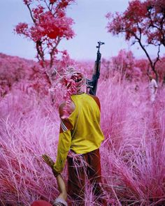 Drag, 2012 © Richard Mosse / Courtesy of the artist and Jack Shainman Gallery, New York - More info on the exhibition in Foam: http://foam.org/visit-foam/calendar/2014-exhibitions/richard-mosse-the-enclave