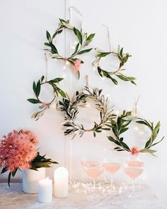From floral arrangements to actual living pieces of art. Here's how to: floral art with the boutierre girls. That I needed to share with you guys! Alternative Christmas Tree, Christmas Planning, World Crafts, Diy Presents, Winter Christmas, Christmas Ideas, Diy Wreath, Holiday Wreaths, Botanical Art