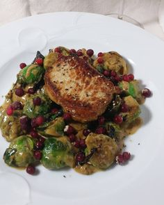 Sprouts, Vegetables, Instagram Posts, Food, Veggies, Essen, Vegetable Recipes, Brussels Sprouts, Yemek