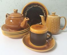 Diverse serviesgoed W-Germany, Driehoek Huizen Holland Holland, Tea Pots, Retro Vintage, Tableware, The Nederlands, Dinnerware, Dishes, The Netherlands, Tea Pot