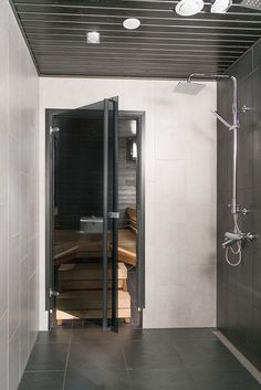 Bathroom Toilets, Laundry In Bathroom, Office Interior Design, Interior Design Living Room, Sauna Design, Laundry Room Inspiration, Sauna Room, Spa Rooms, Amazing Bathrooms