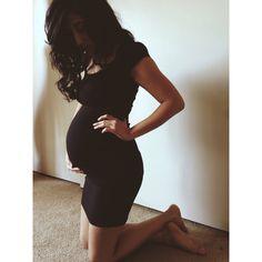 Maternity Fashion: Black Dress