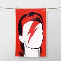 Tributo a David Bowie también a través de la decoración con estos 11 pósters y vinilos