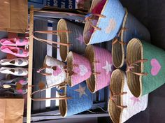 Capazos cestas de colores.