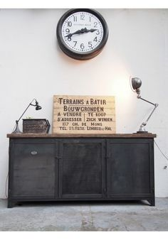 Diy d co faire un meuble console au style industriel soi m me rapide et pa - Buffet industriel metal ...