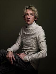 Awarded dutch portrait photographer Koos Breukel takes his intense black&white portraits with large format cameras.