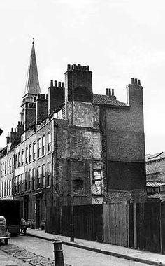 Wilkes Street, Spitalfields 1956, junction with Hanbury Street. JM Prest via English Heritage London History, Local History, Uk Photos, London Photos, Vintage London, Old London, Liverpool England, London England, East End London