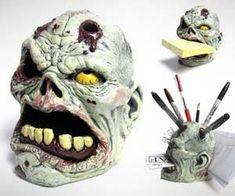 zombie-head-desk-organizer