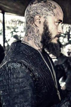 Travis Fimmel as Ragnar Vikings