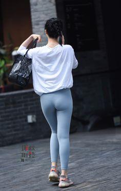Yoga Pants Girls, Girls In Leggings, Girls Jeans, Women's Leggings, Asian Lingerie, Sexy Jeans, Sport Pants, Sexy Asian Girls, Leggings Fashion
