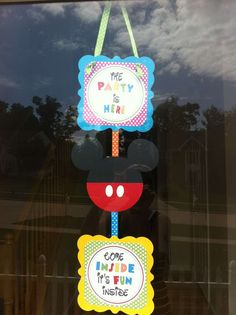 Mickey Mouse Clubhouse or Minnie Mouse Birthday Party Ideas   Photo 3 of 15