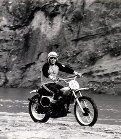 Une vidéo magnetique de Steve McQueen sur une Honda CR250M Elsinore - LeCatalog.com