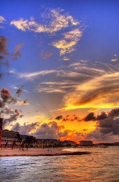 A gorgeous Grand Cayman sunset.