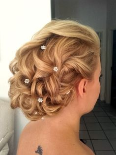 #romantic #curly #wedding #hair with #diamonds ..from the other side. #Tuuli#Okkonen